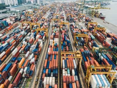 Sistema para Otimizar a Relação entre Custos de Carregamento e Transporte de Cargas em Navios Atracados